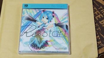 10th Anniversary Album_01.jpg